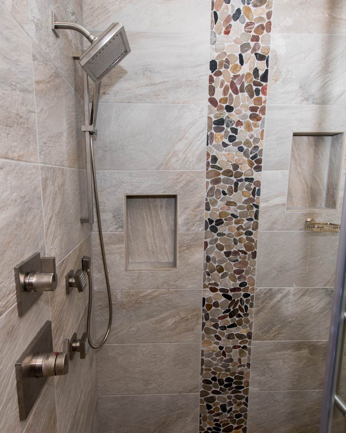 BHB-Behrmann-Home-Basics-Bathroom-Shower-Glass-Door-Tile-River-Rock-detail