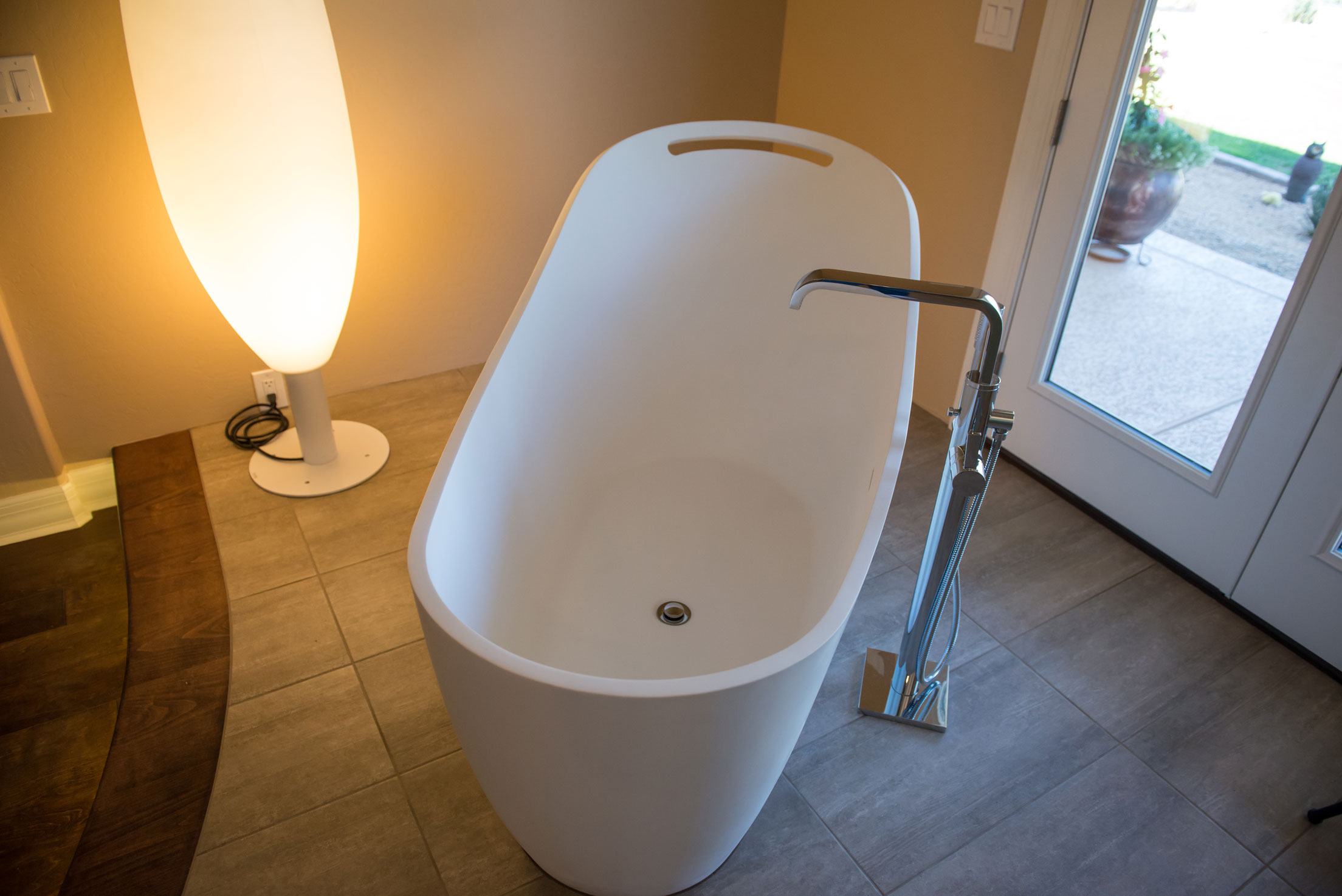 BHB Bathroom Floating Tub