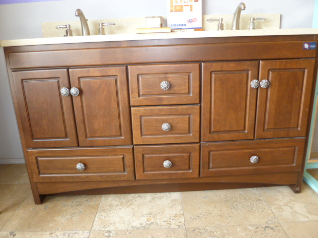 Pulls for cabinets fanti blog for Bathroom cabinet pull ideas